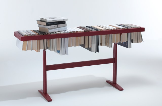 Around the Book. Between Art and Design