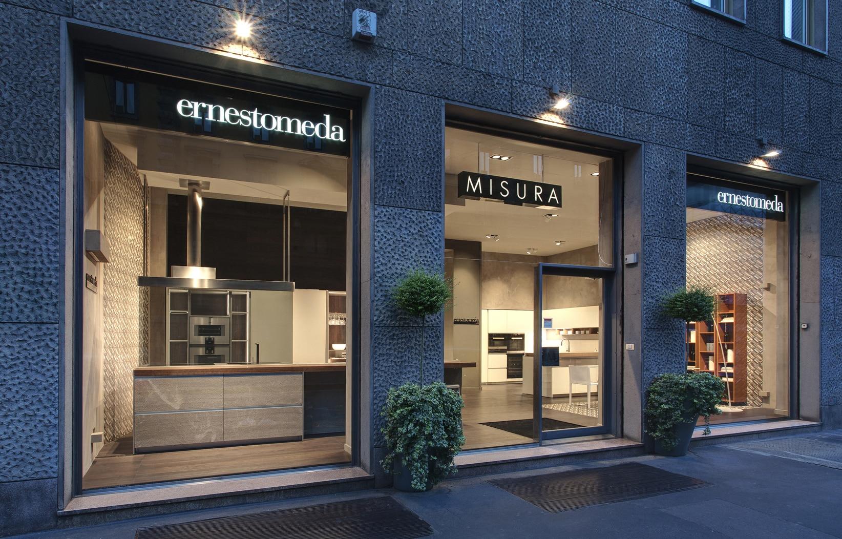 Nuovo spazio ernestomeda by misura arredamenti 1 interni for Borghi arredamenti