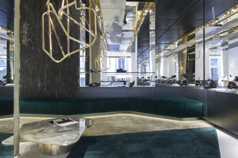 essential home midcentury furniture premiata milano fashion store vincenzo de cotiis architects Premiata Milano Premiata Milano: A Fashion Store Designed by De Cotiis Architects Schermata 2016 10 12 a 11