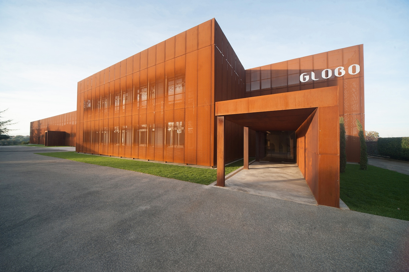 Ceramica Globo Space Stone.New Image For Ceramica Globo Headquarters Interni Magazine