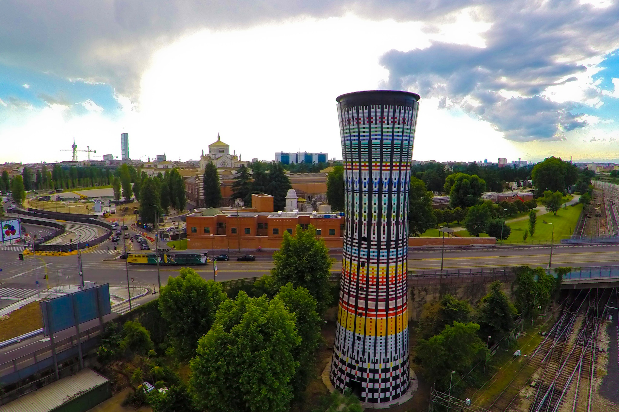 Conclusion of the renovation of the Torre Arcobaleno in Milan