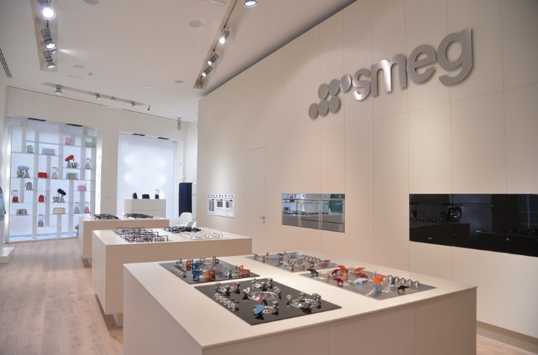 Lectures, stories and inventions, between food and design, in the new Smeg store on Via Moscova