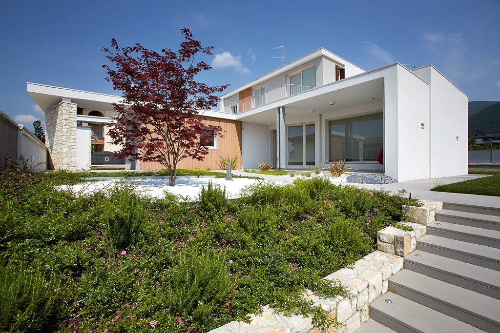 A Smart Home in Franciacorta according to ABB