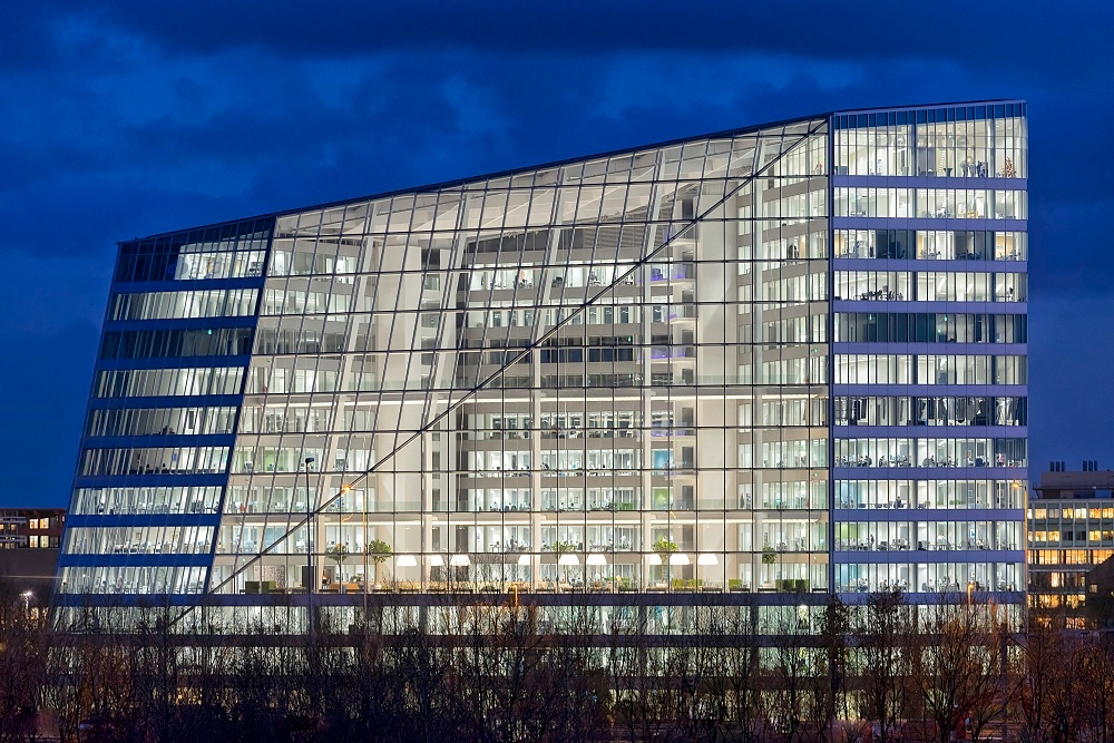 Philips lights up the Edge in Amsterdam