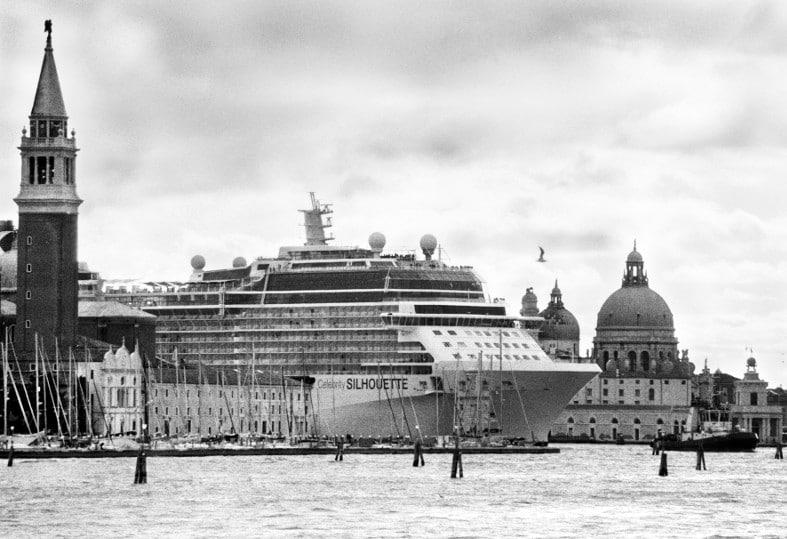 Gianni Berengo Gardin. Venice and the big ships