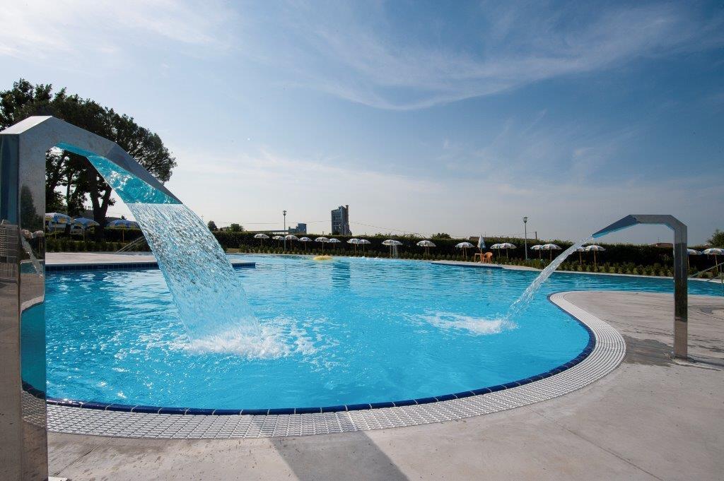Piscine Castiglione-Myrtha Pools for the Swim Center of Calusco D'Adda