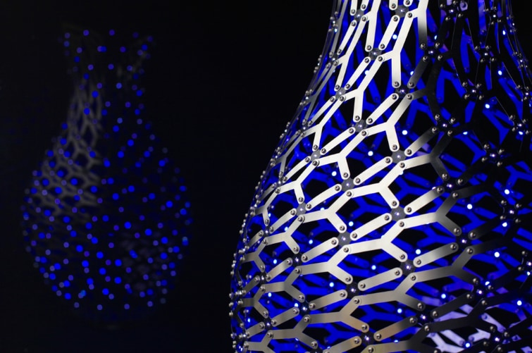 The luminous Ming vases of Moritz Waldemeyer at Decorex 2015