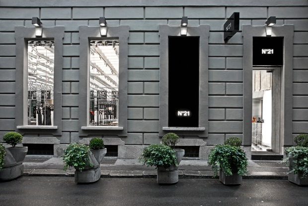 Opening of the flagship store of N°21 in Milan