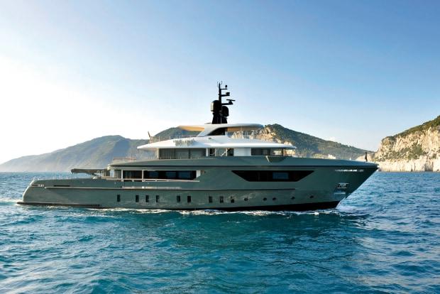 Transoceanic cruise for Sanlorenzo 460 Explorer