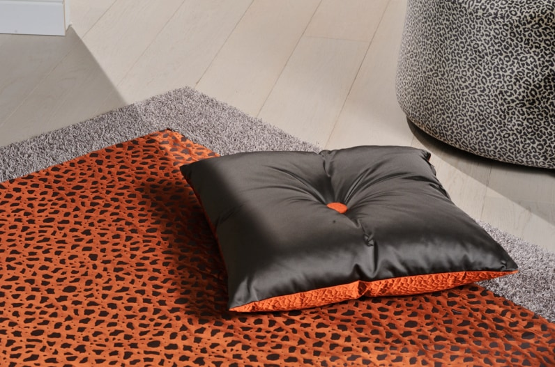 Agena: papers and fabrics for outstanding interior decoration