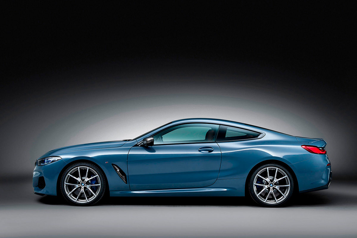 P90306645_highRes_the-all-new-bmw-8-se_alta