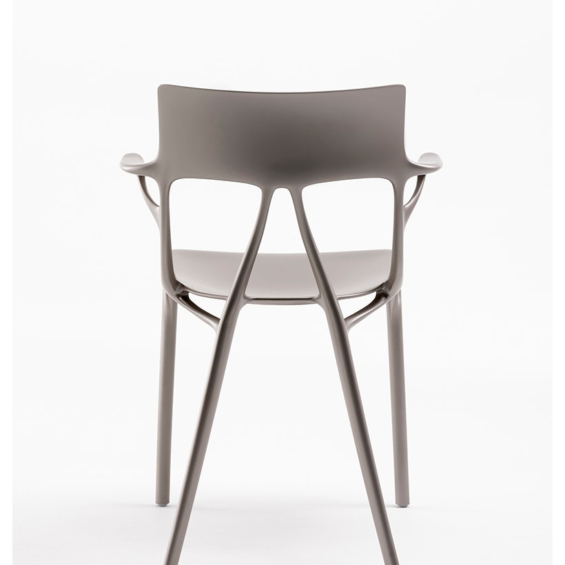 A_I_BY_PHILIPPE_STARCK_1 (1)_alta
