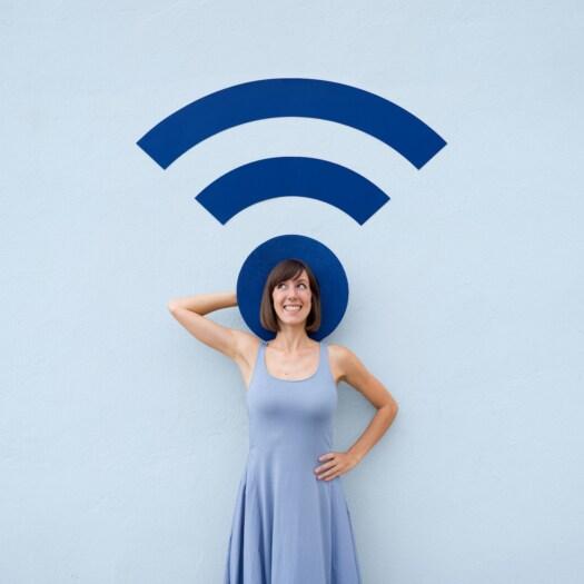 Annandaniel_Anniset_DrCuerda_Anna-Devís_Daniel-Rueda_Papertastic_Wifi-Hatspot-1
