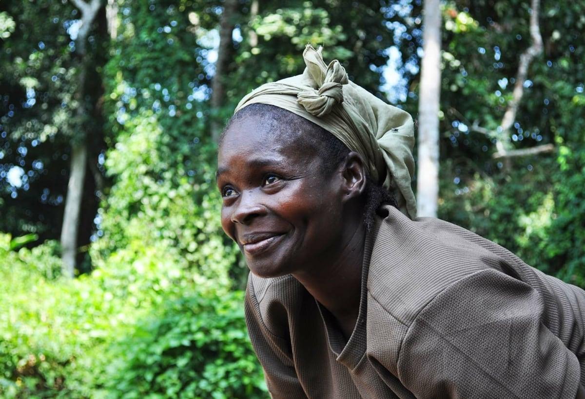 Camerun – Una delle donne coinvolte nei progetti Treedom – Nei progetti di Treedom sono impegnate molte donne, per realizzare un vero empowerment del loro ruolo nella comunità