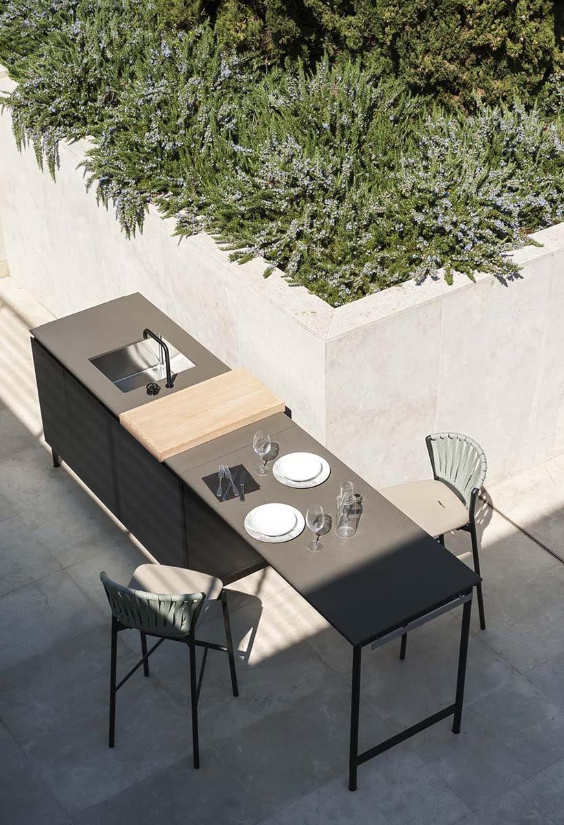 Open-air kitchen by Roda