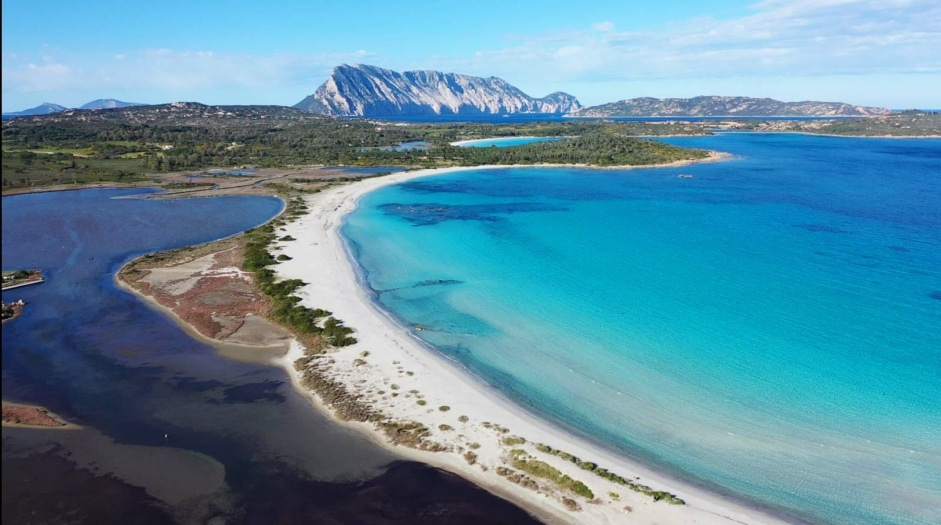 Baglioni_Resort_Sardinia_beach