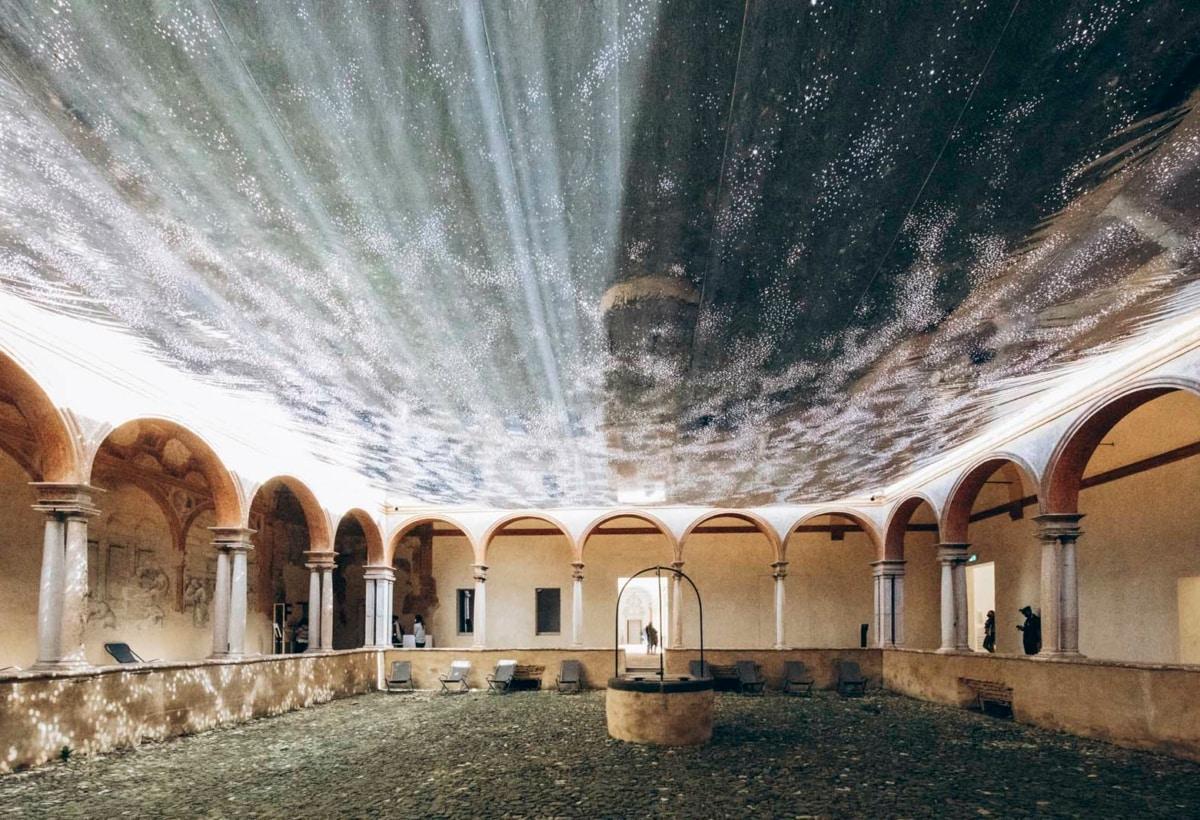 FE2021_Chiostri di San Pietro_installazione di Sophie Whettnall_ph Melissa Iannace (3)