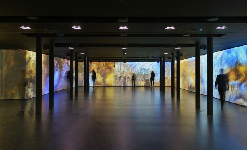 michele nastasi_MEET sala immersiva con Anadol-min
