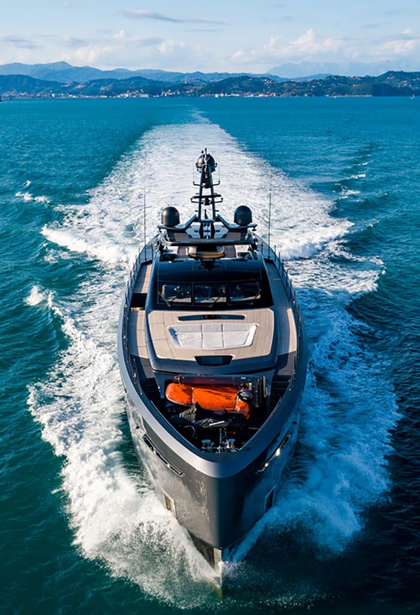 Yachts, pleasures of life