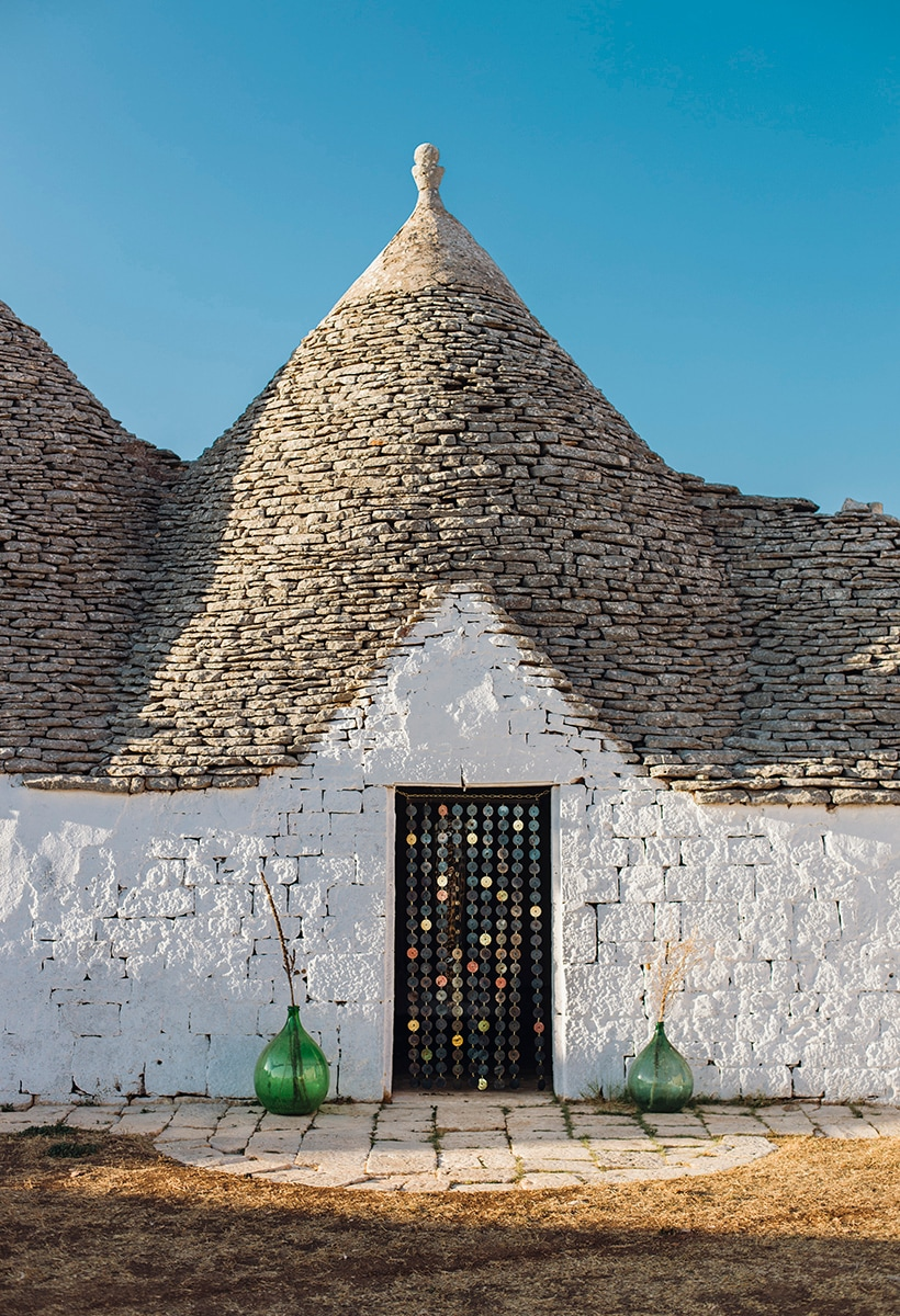 Puglia, trulli and crafts: a new project by Tipstudio