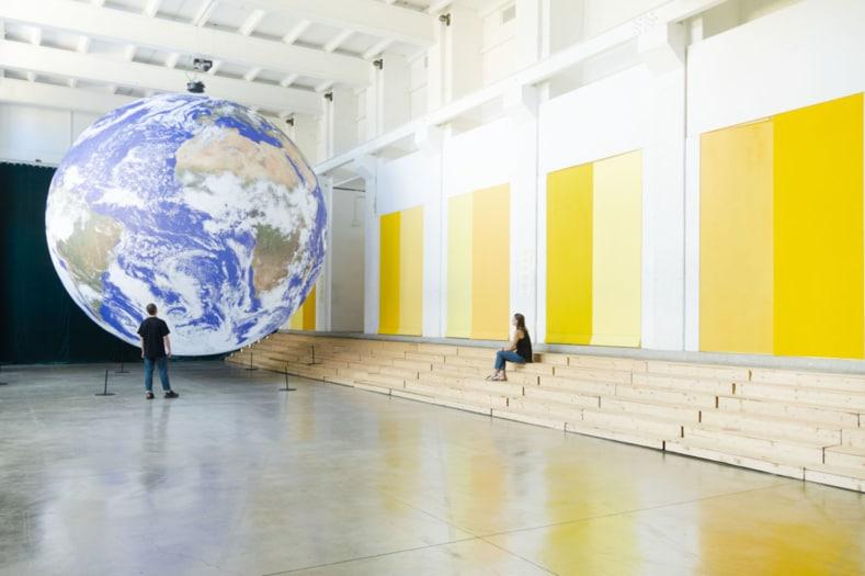 Eventi_FuoriSalone 2021_Tortona_BASE Milano, Installazione Gais di Luke Jerram